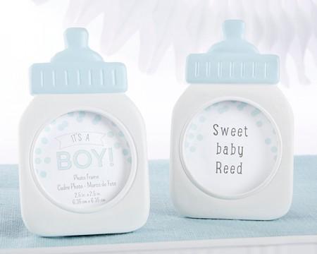 """It's a Boy!"" cornice a forma di biberon blu"