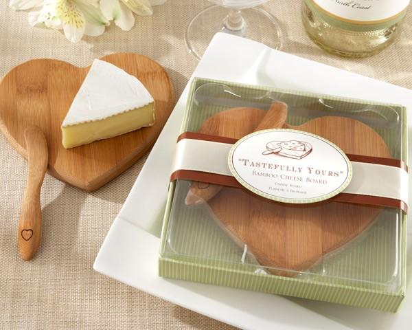 Practical Wedding Gift: Tagliere A Forma Di Cuore