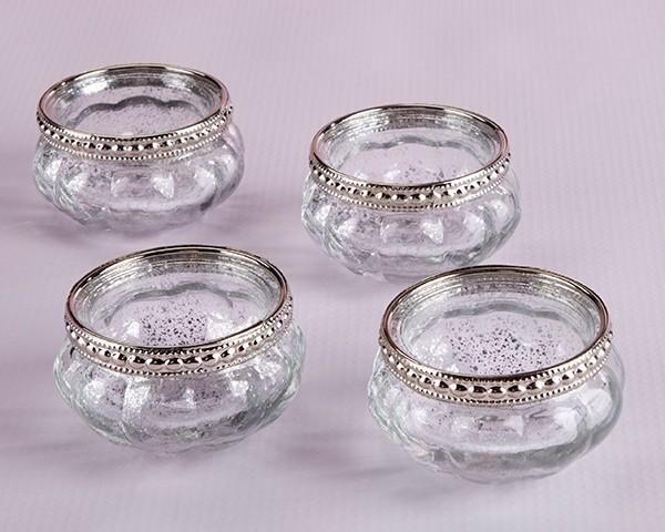 Portacandele in vetro petite con scagliette metalliche for Portacandele in vetro