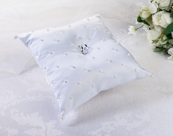 Cuscino portafedi con perline (bianco)