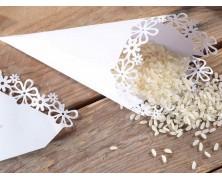 Coni per riso in carta bianca