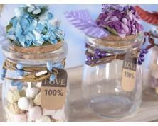 Barattolo in vetro con fiori