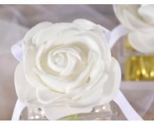 Scatolina quadrata in plexiglass porta confetti con rose - Bianca