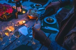 Decorare la tavola per il Natale e le feste