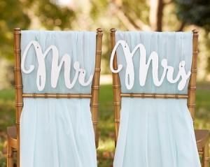 decorazioni delle sedie degli sposi